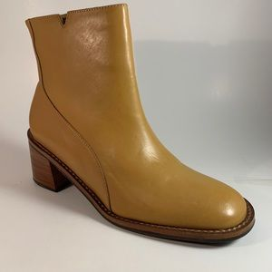 LEATHER BOOTIES Never Worn